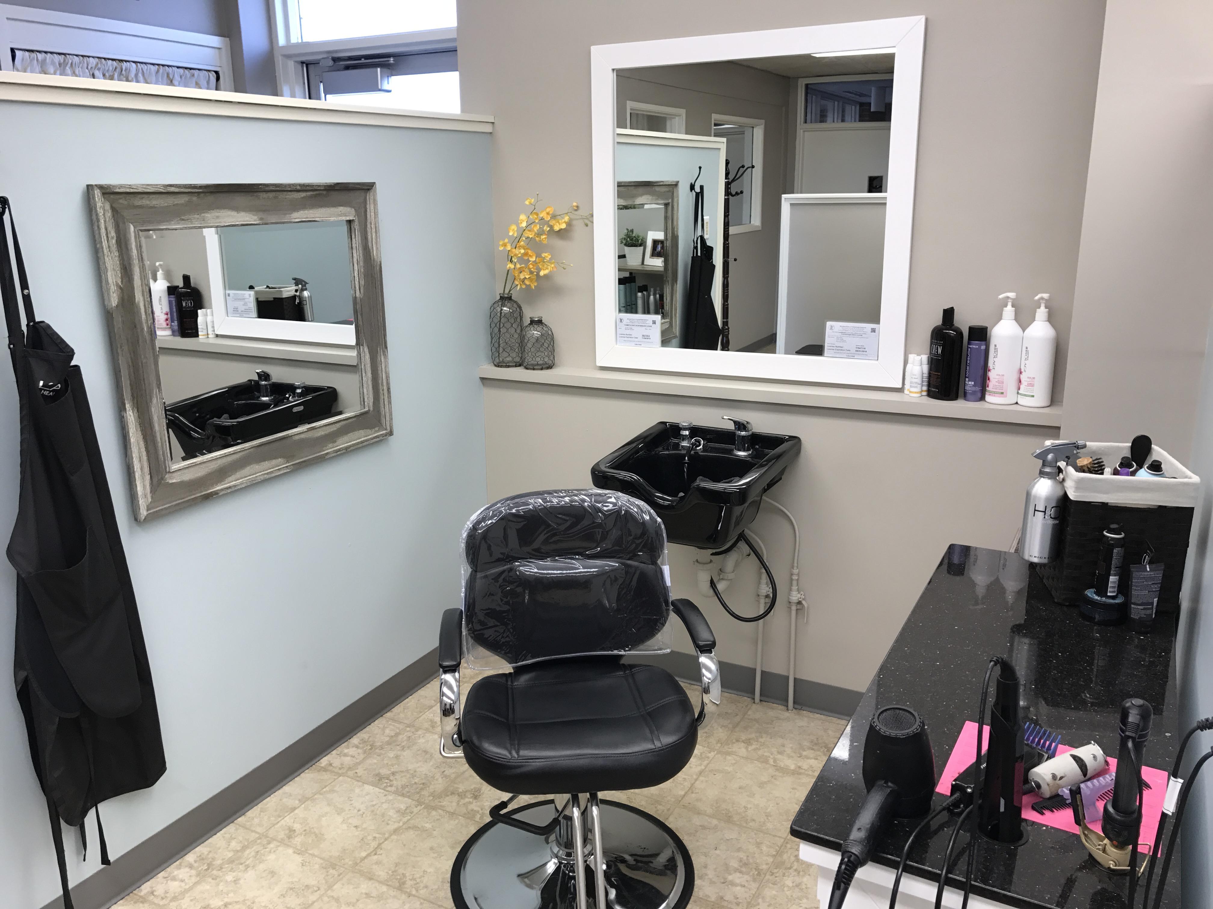 Salon Seven