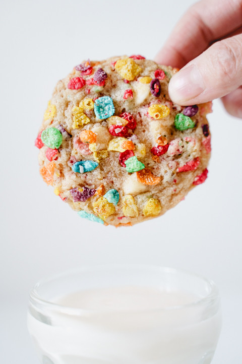 fruity pebbles cereal cookie