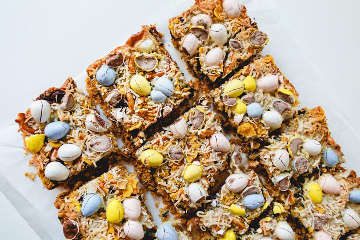 magic blondie bar with pretzels, coconut, chocolate eggs