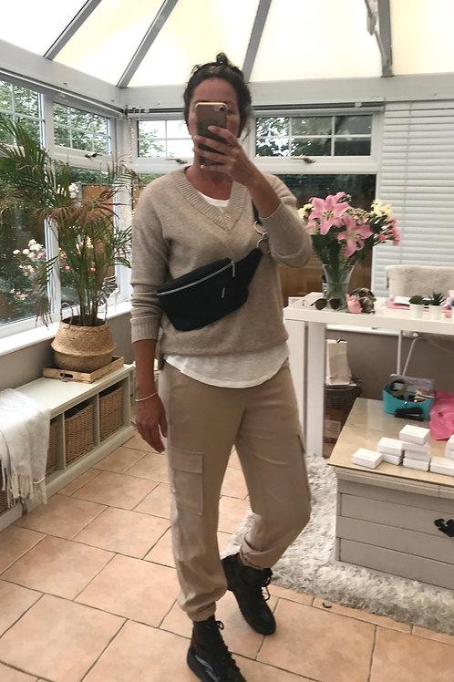 VM neck  oversized pullover