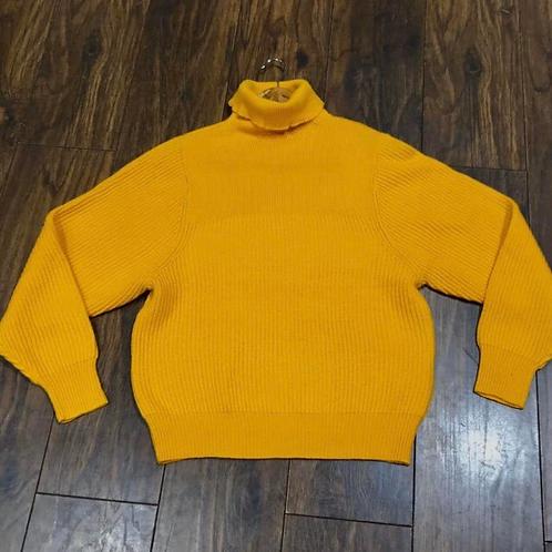 Roll neck sweater in golden  rod