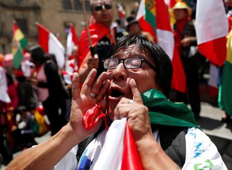 Trump elogia a los bolivianos por sacar su presidente socialista