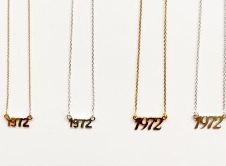 Marca de moda que vende collares pro-vida para rivalizar con la joyería abortiva de Selena Gomez