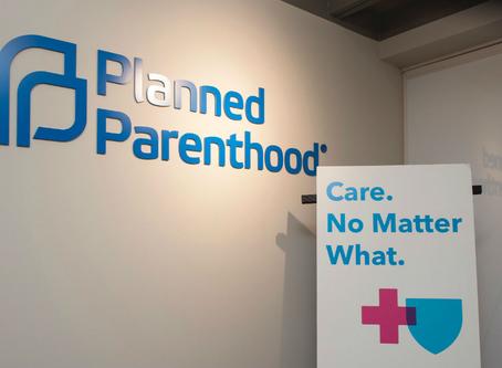 """Planned Parenthood muestra """"colores verdaderos"""", elige el aborto por encima de los dólares federales"""