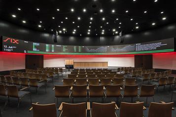 Auditorium_rot_frontperspektive.jpg