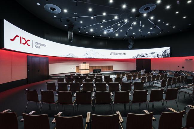 Auditorium_rot.jpg