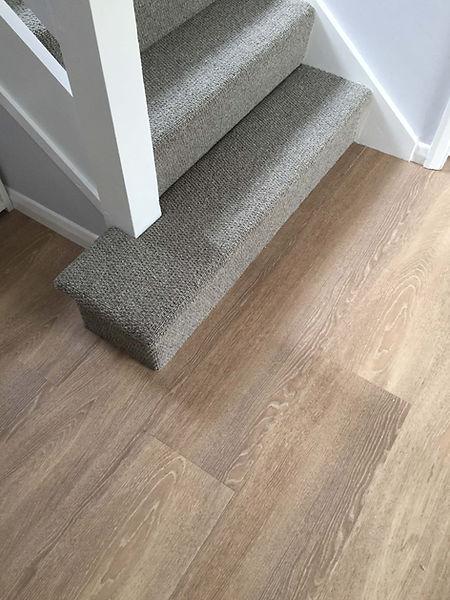 Owens & Sons Carpet, Wool loop stair car