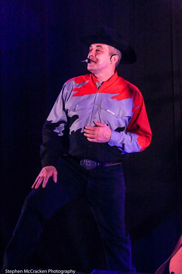 The Ultimate Garth Brooks Experience 21.