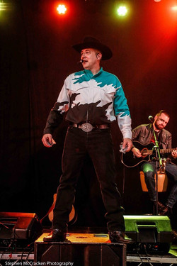 The Ultimate Garth Brooks Experience 7