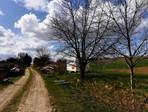 Příjezdová cesta k pozemkům