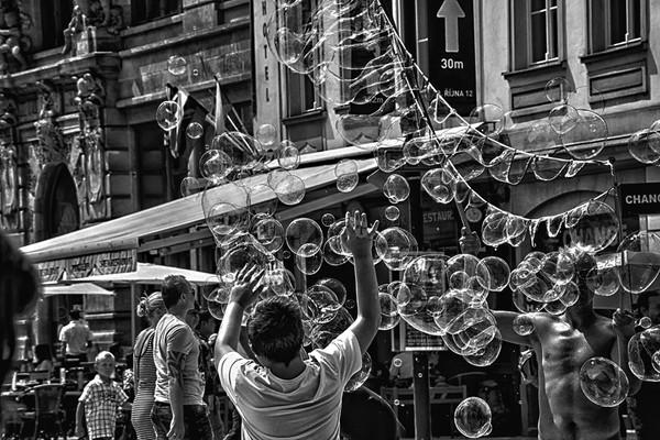 FA_NormaWoodward_Bubbles.jpg