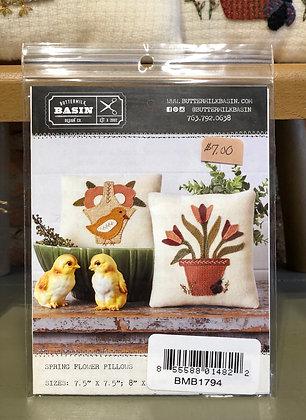 Buttermilk Basin Spring Flowers Pillows Pattern
