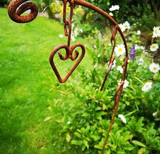 G17 Dicentra Garden Stake.jpg