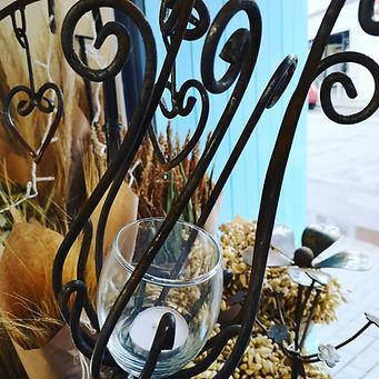 G16 Poppy Head Garden Lantern.jpg