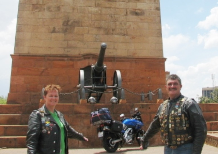 Gaffie and Aretha take up their position in front of the Honoured Dead memorial.