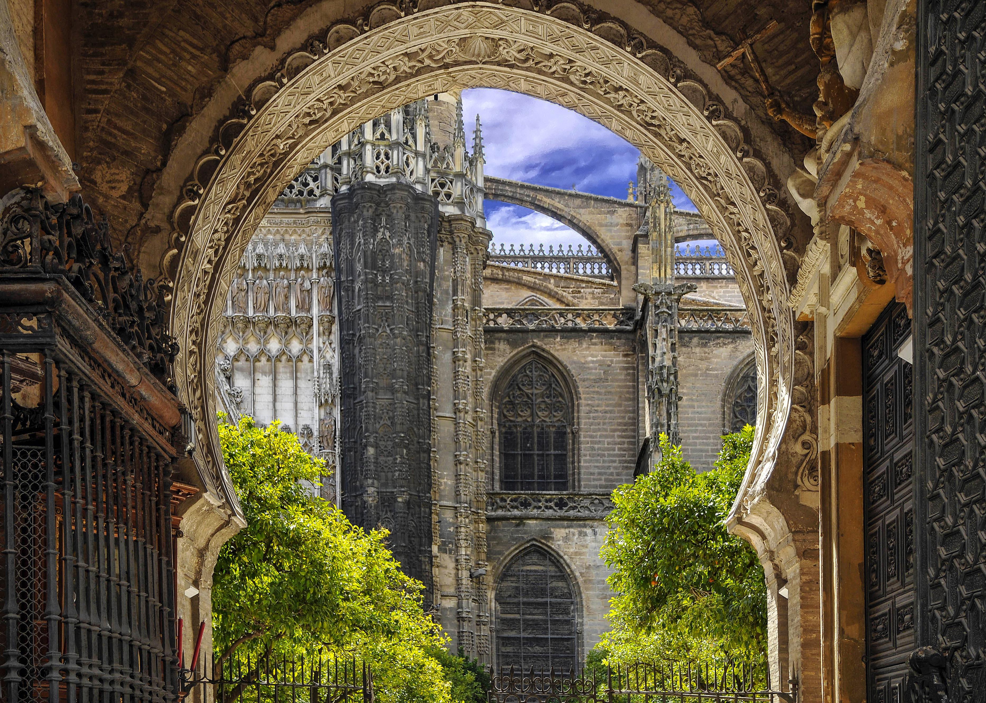 Sevilla-Islam Meets Christianity