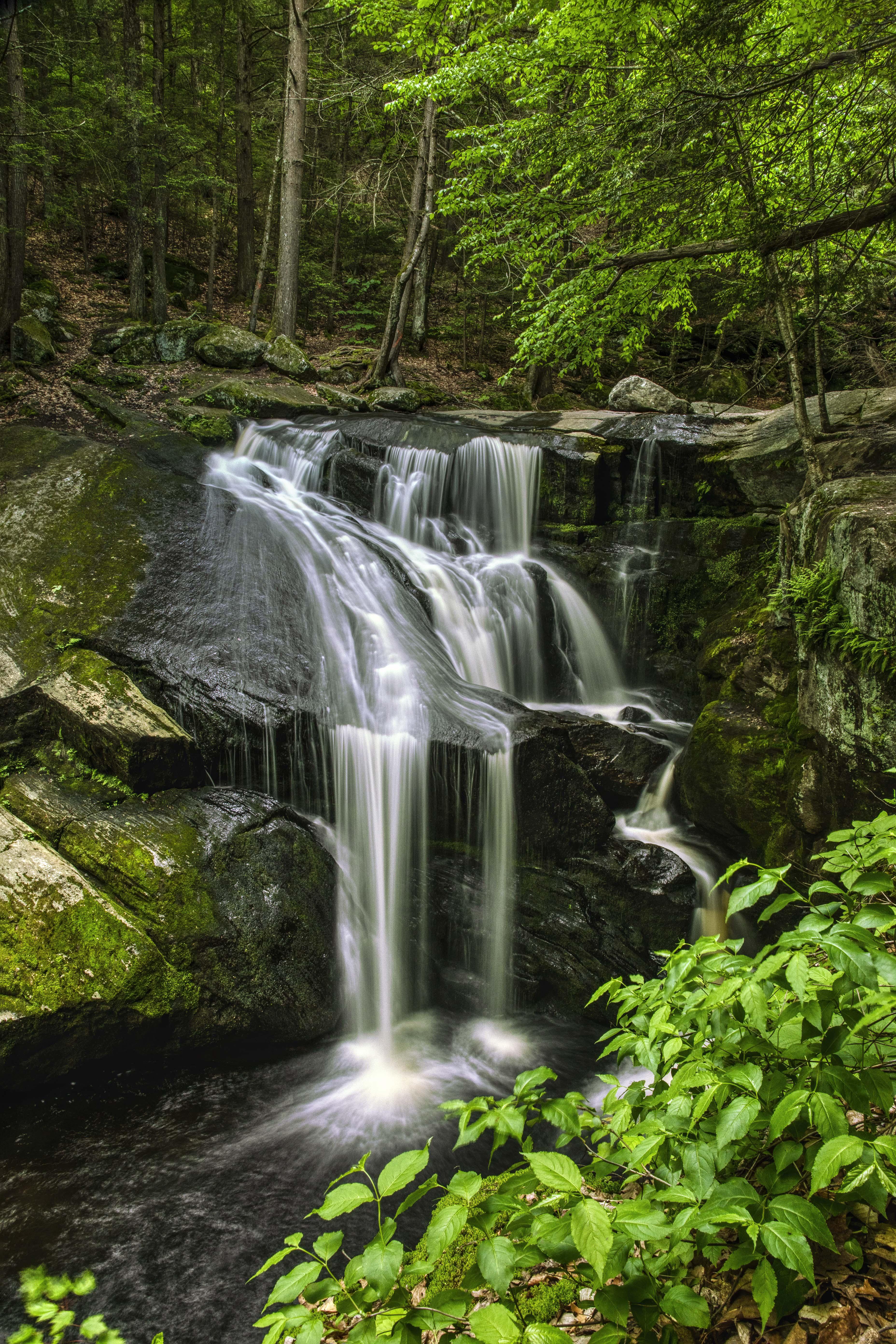Granby, CT - Enfers Falls