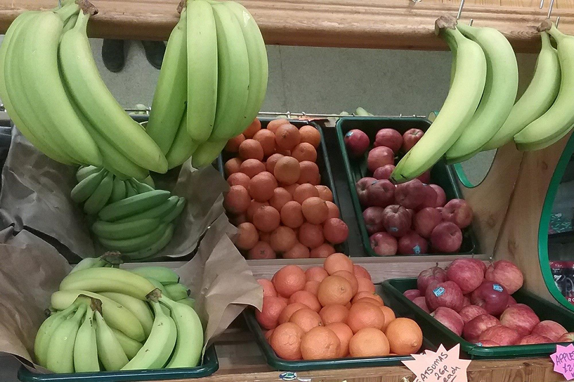 Fruit & Veg Siop Uwchaled 2000x1333px