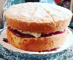 Fresh Victoria Sponge Cake_edited