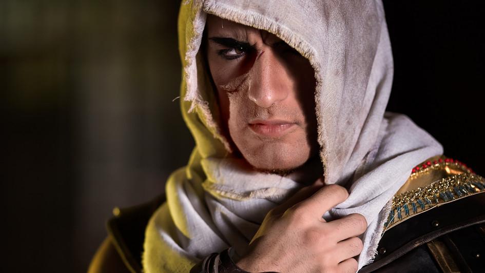 Leon Chiro playing Assassin's Creed Origin