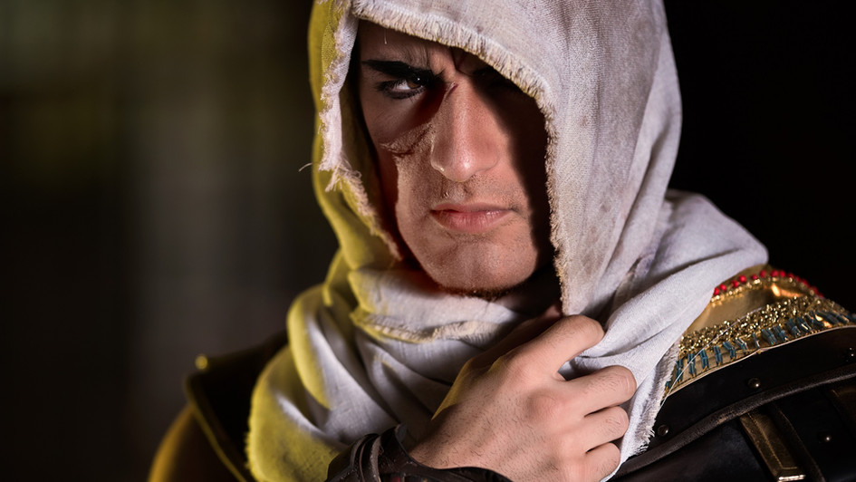 Leon Chiro playing Assassin's Creed Origin