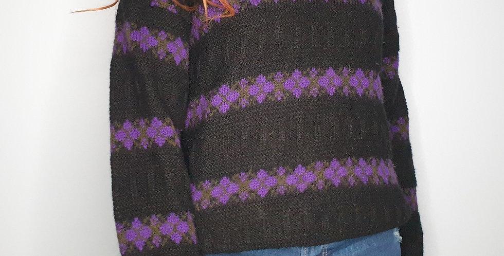 V-Neck Knit (Medium)