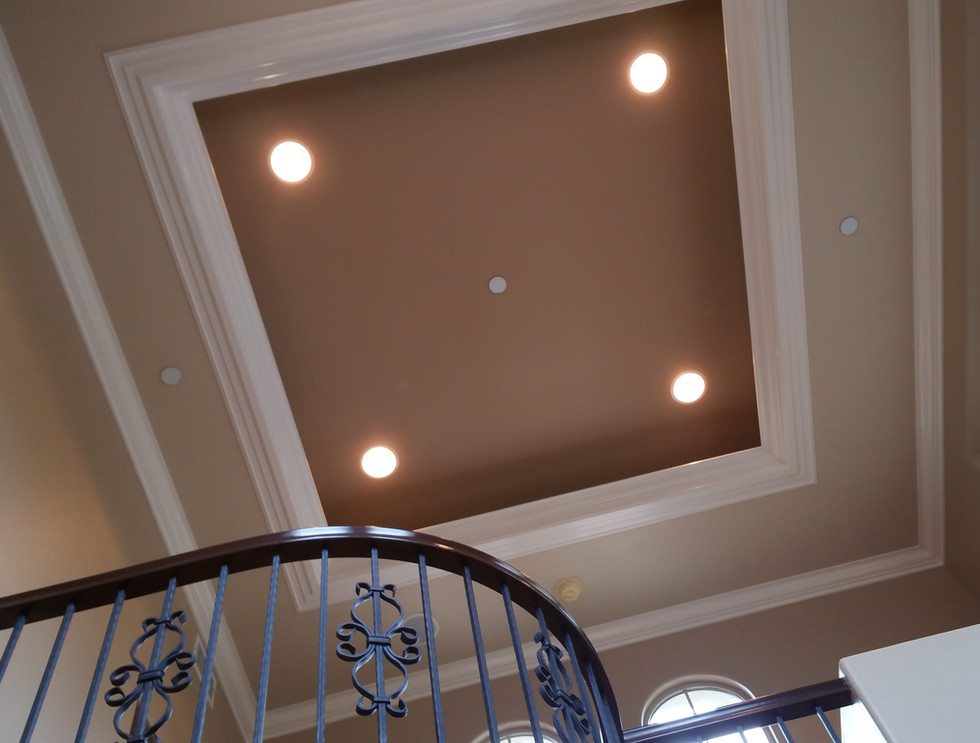 Crown Moulding and Recess Lighting