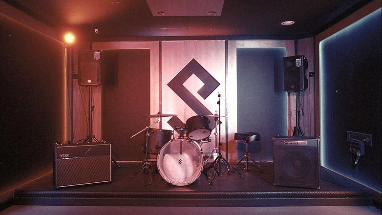 maxdbaudio Recording Studio London Live room.jpg