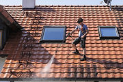 Jet wash roof & wall cleaning