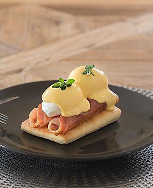 Eggs Benedict 3.JPG