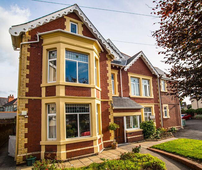 Heathfields Residential Care Home Bridgend