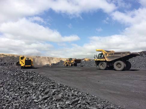T1255TL_DD_Action_04_SAfrica_Coal_1.jpg