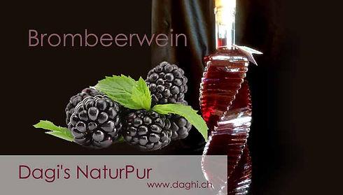 Brombeerwein-in-Zierflasche.jpg