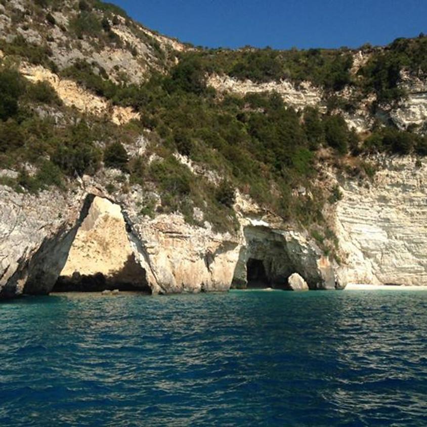 Katamaran Törn an der Küste Athens ab 1200€ p. Person in der Doppelkabine  (2)