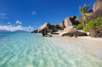Seychellen Sun and More Yachting.jpg