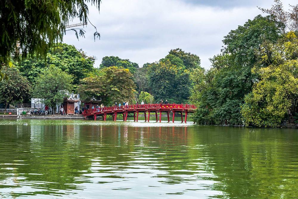 Le lac Hoan Kiem, Hanoi, capital du Vietnam