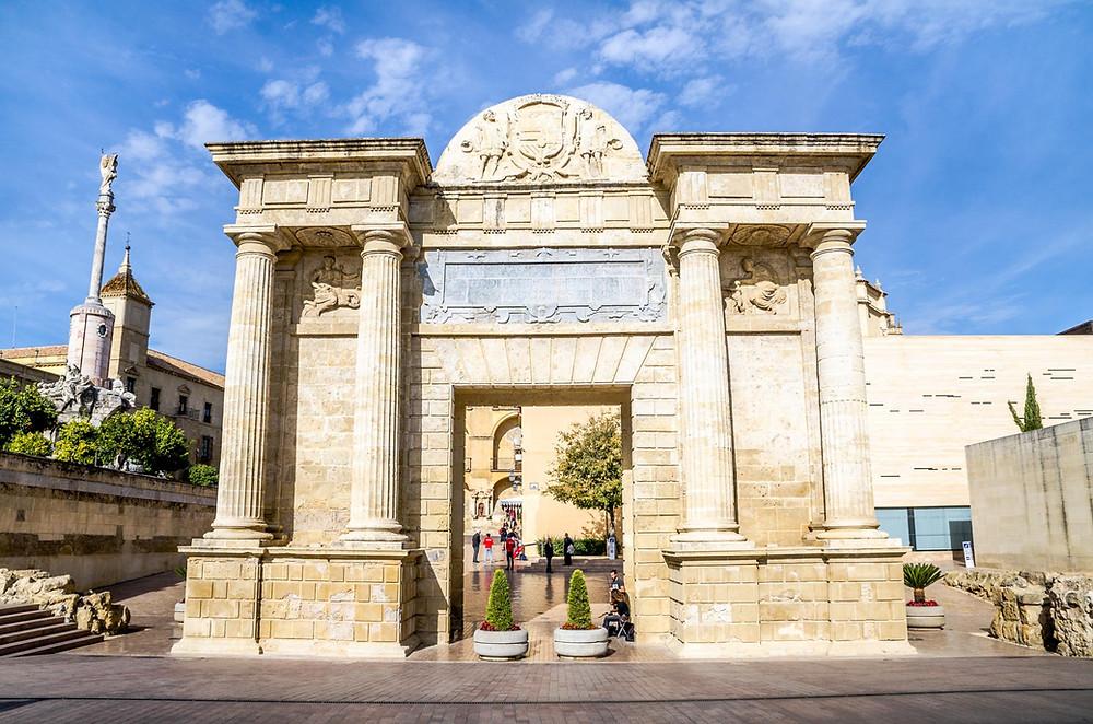 Puerta del Puente Cordoue