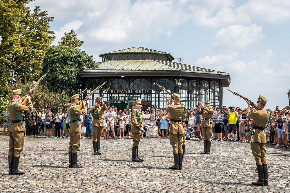 Relève de la garde, Palais de Sandor, Budapest
