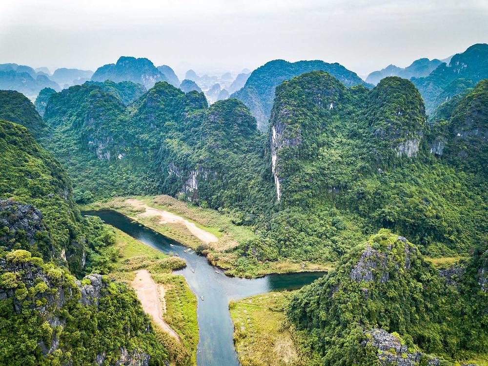 Ninh Binh la Baie d'Halong terrestre