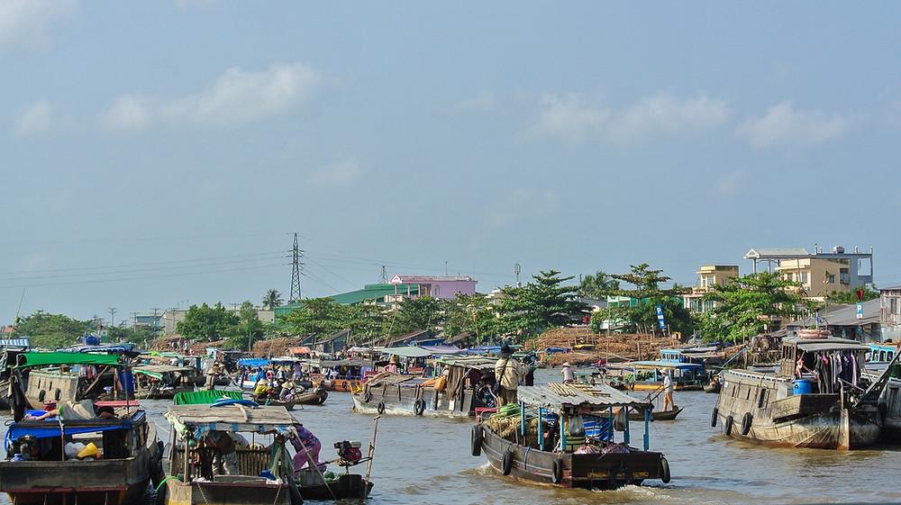 Le marché flottant sur le Delta du Mékong