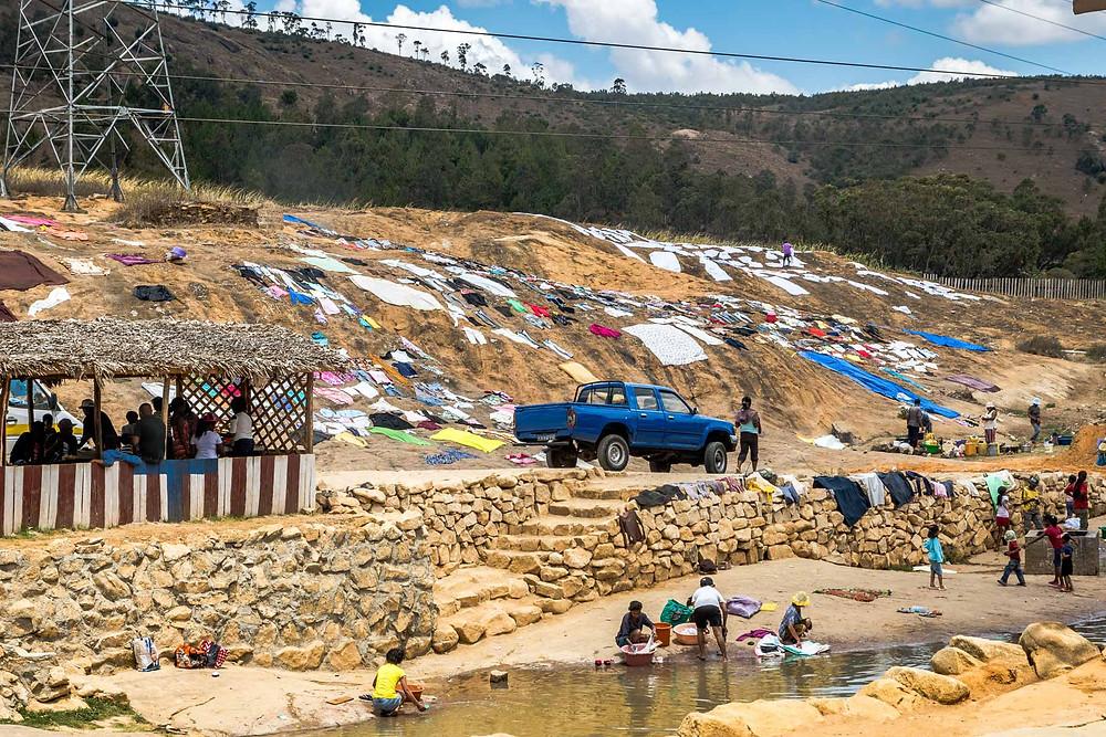Laver le linge à Madagascar