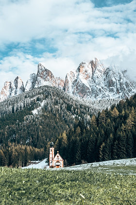 Église des Dolomites