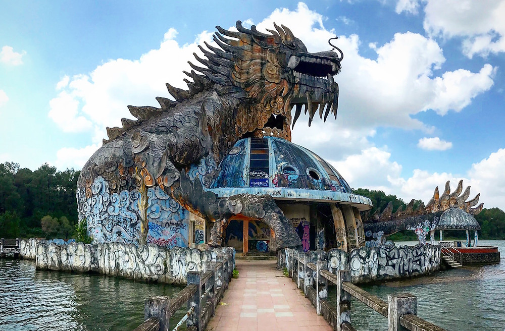 Parc aquatique abandonné Hue Vietnam
