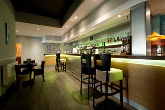 cocktail bar in cornish hotel