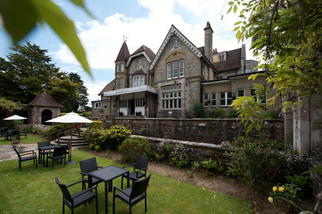 shearings hotel with garden on iske of white
