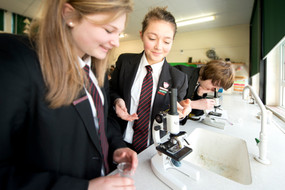schools photography in a science class