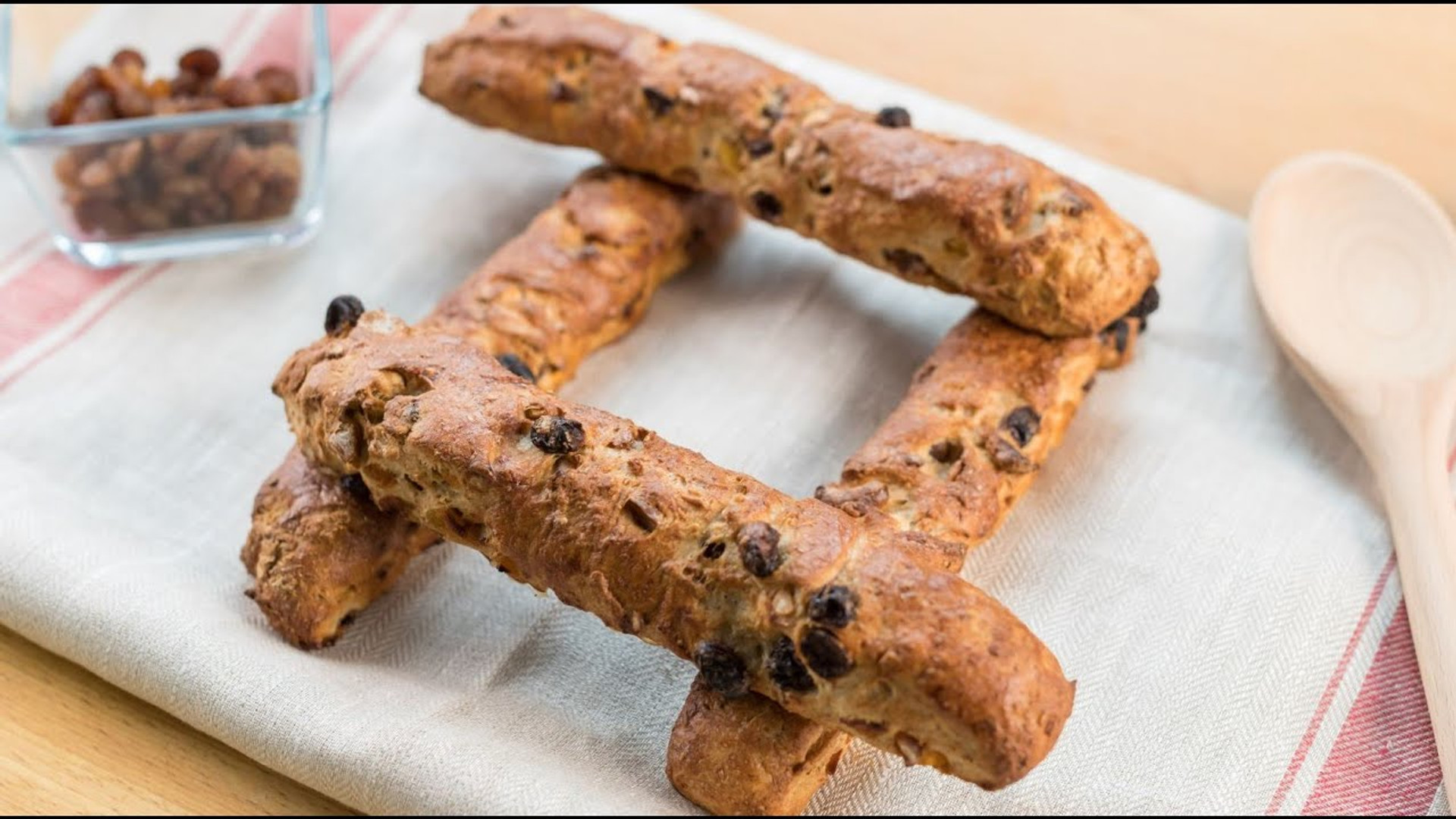 Receta de barritas de pan con muesli - Levanova