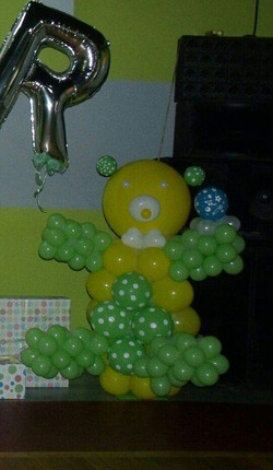 Student_Teddy_Bear_Sculptures_with_Name_Arch!-1
