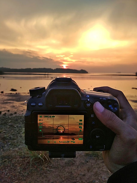 sunset-4070290_1920.jpg