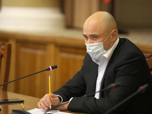 Игорь Артамонов поручил усилить контроль за работой общепита